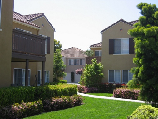Exterior view of Santa Maria Apartment Homes in Irvine, CA.