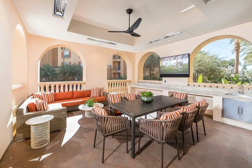 View of outdoor patio at Villa Siena Apartment Homes in Irvine, CA.