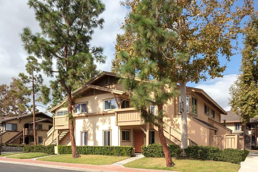 Exterior view of Woodbridge Pines Apartment Homes in Irvine, CA.