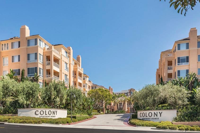 Exterior view of The Colony at Fashion Island Apartment Homes in Newport Beach, CA.