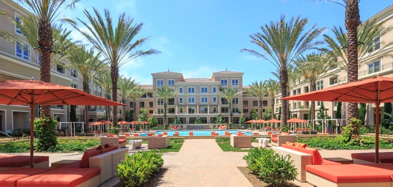 Exterior view at Villas Fashion Island Apartment Homes in Newport Beach, CA.