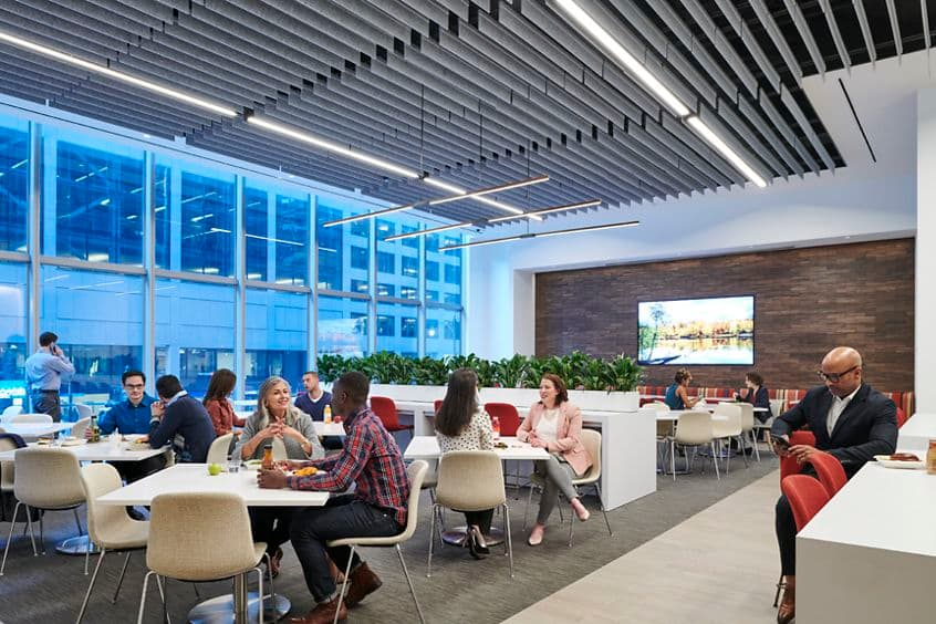 Lifestyle photography of the dining room at The Exchange in 71 S. Wacker, Chicago, IL