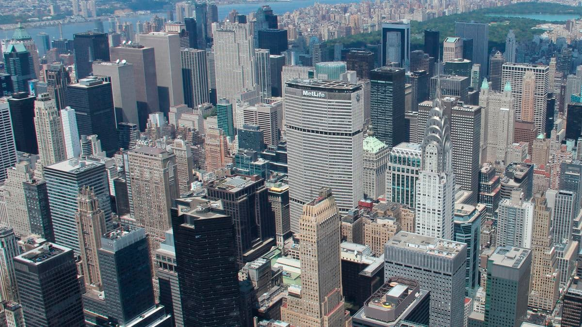 Aerial photography of New York skyline featuring 200 Park Avenue