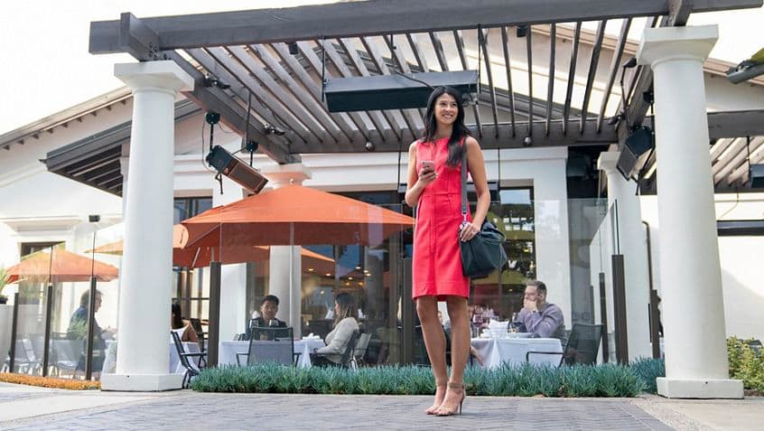 Lifestyle photography at Davio's Northern Italian Steakhouse at Irvine Towers in Irvine, California.