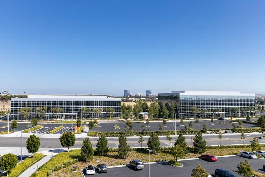 Building photography of Discovery Park - 505 and 525 Technology in Irvine, CA