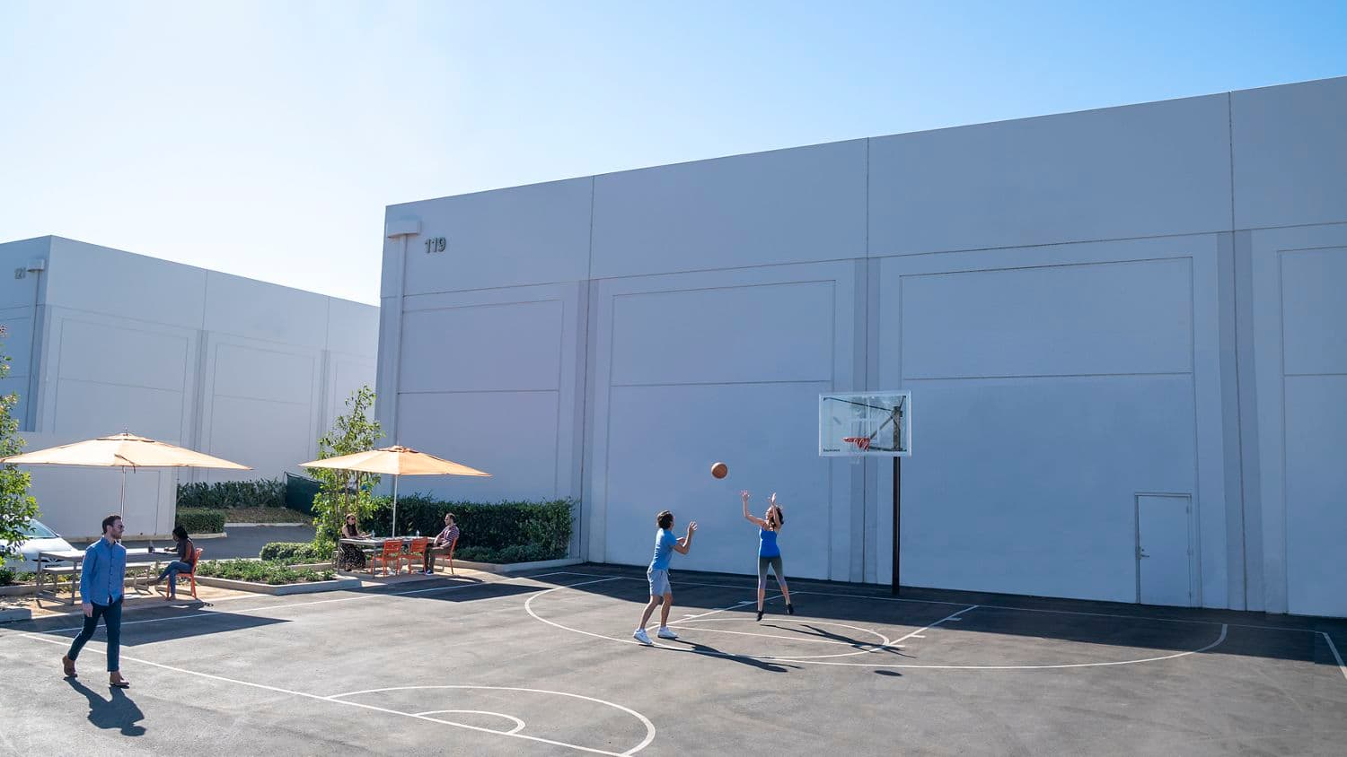 Lifestyle photography of the basketball court located at Laguna Canyon in Irvine, CA