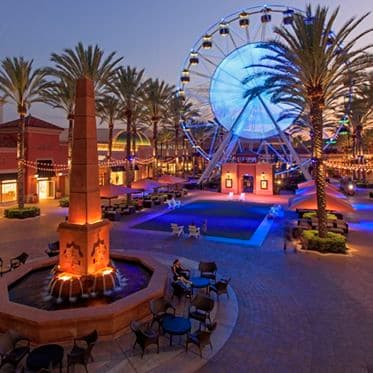 Images of the Giant Wheel at Irvine Spectrum Center. Lamb 2015.