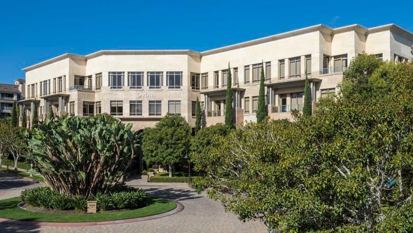 Building hero image of 888 San Clemente, 888 San Clemente, Newport Beach  CA 92660