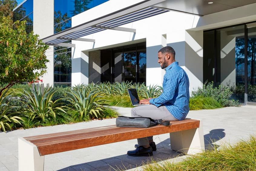 Exterior view of outdoor workspace in 9717/9727 Pacific Heights Blvd in San Diego, CA.