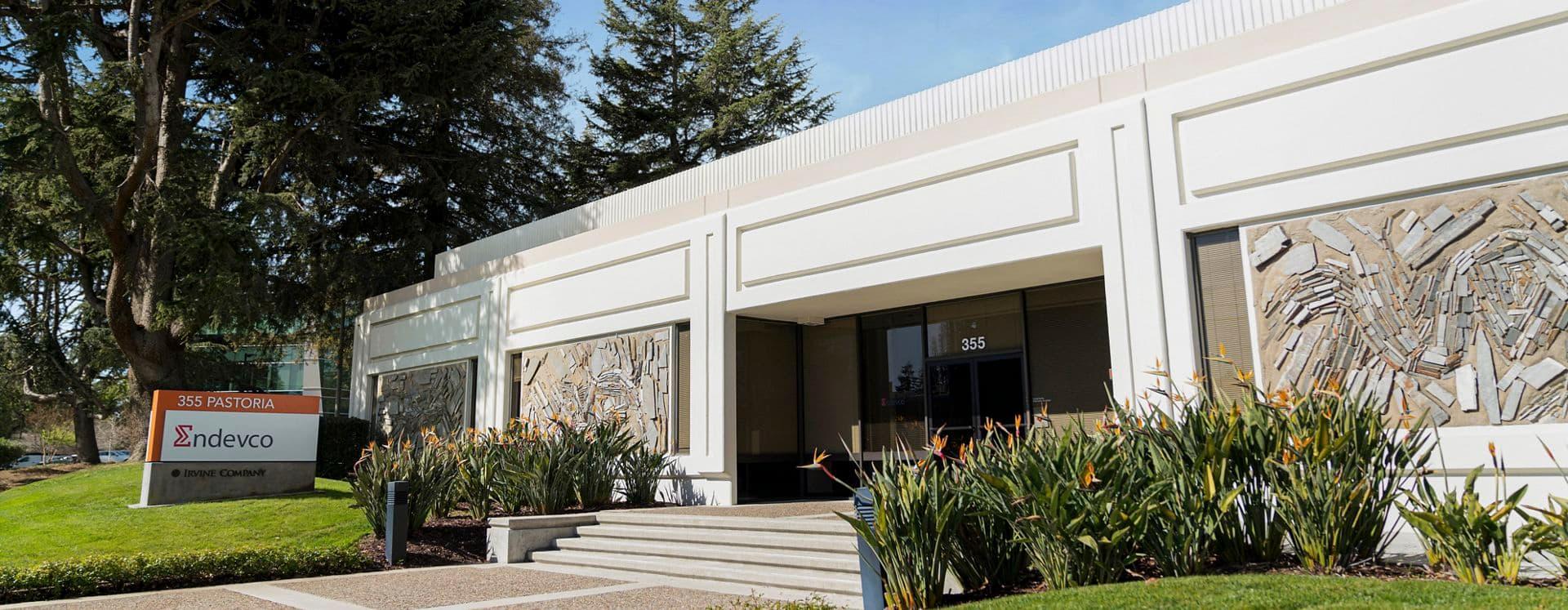Exterior building photography of 320 Soquel Way & 430 Indio Way in Soquel Way/Indio, in Sunnyvale, California.